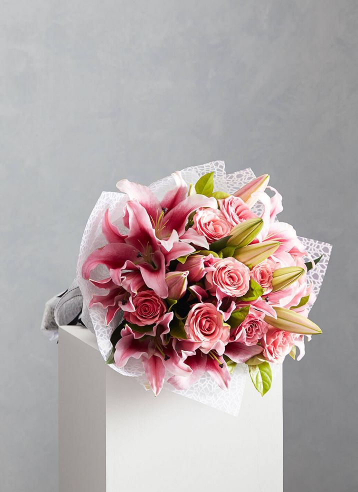 Pink Roses & Lilies
